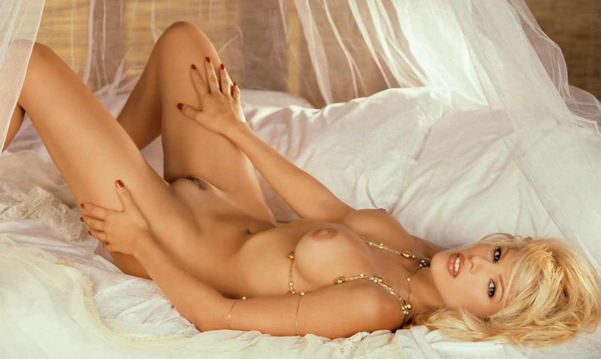 Layla Harvest Roberts, Miss October 1997, Playboy Playmate